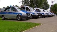 B%c3%bcrgerversammlung polizeiautos au%c3%9fen
