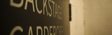 Backstage schild
