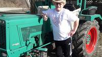 Felix mit traktor